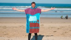 poncho-ponchouille-upcycle-made-in-france-990x556.jpg